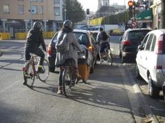9 créer des circulations et stationnements sécurisés pour les vélos.JPG